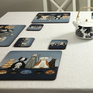 Hungry Cats placemats on table